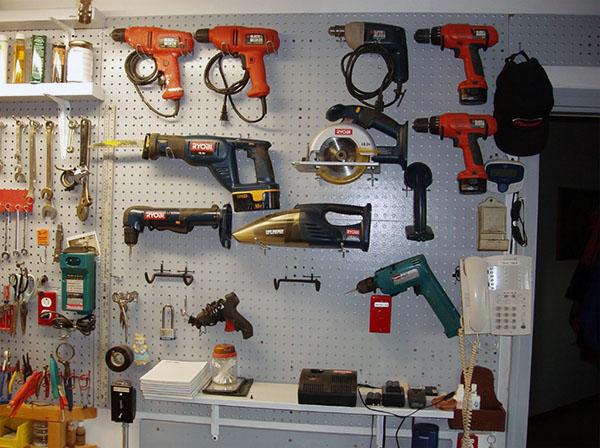 хранение инструментов в собственной мастерской