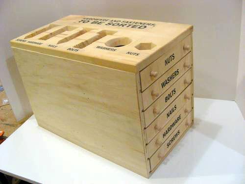 самодельный ящик для хранения гвоздей и шурупов