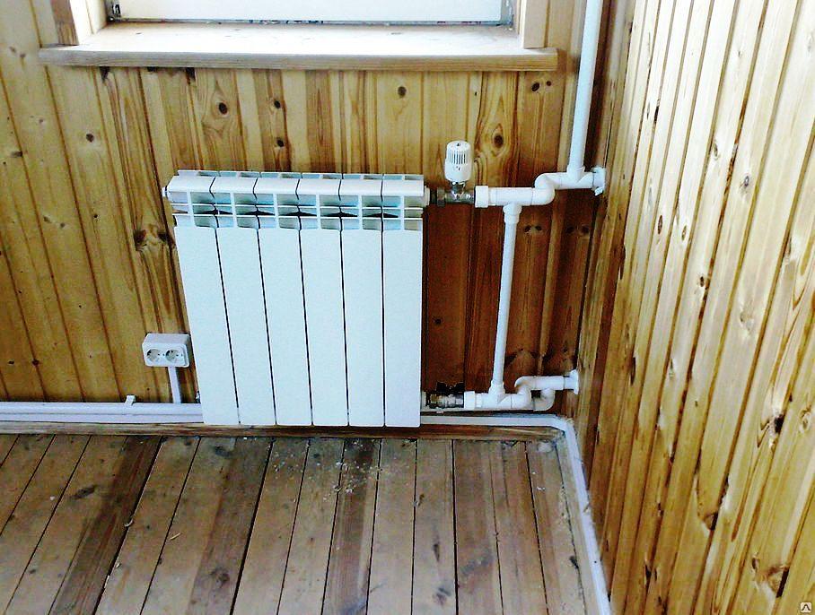 Пример монтажа радиатора отопления в каркасном доме